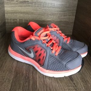 Nike women's duel fusion training shoe size 6